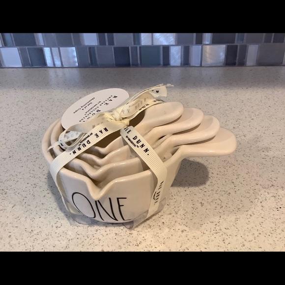 Rae Dunn measuring cups NWT